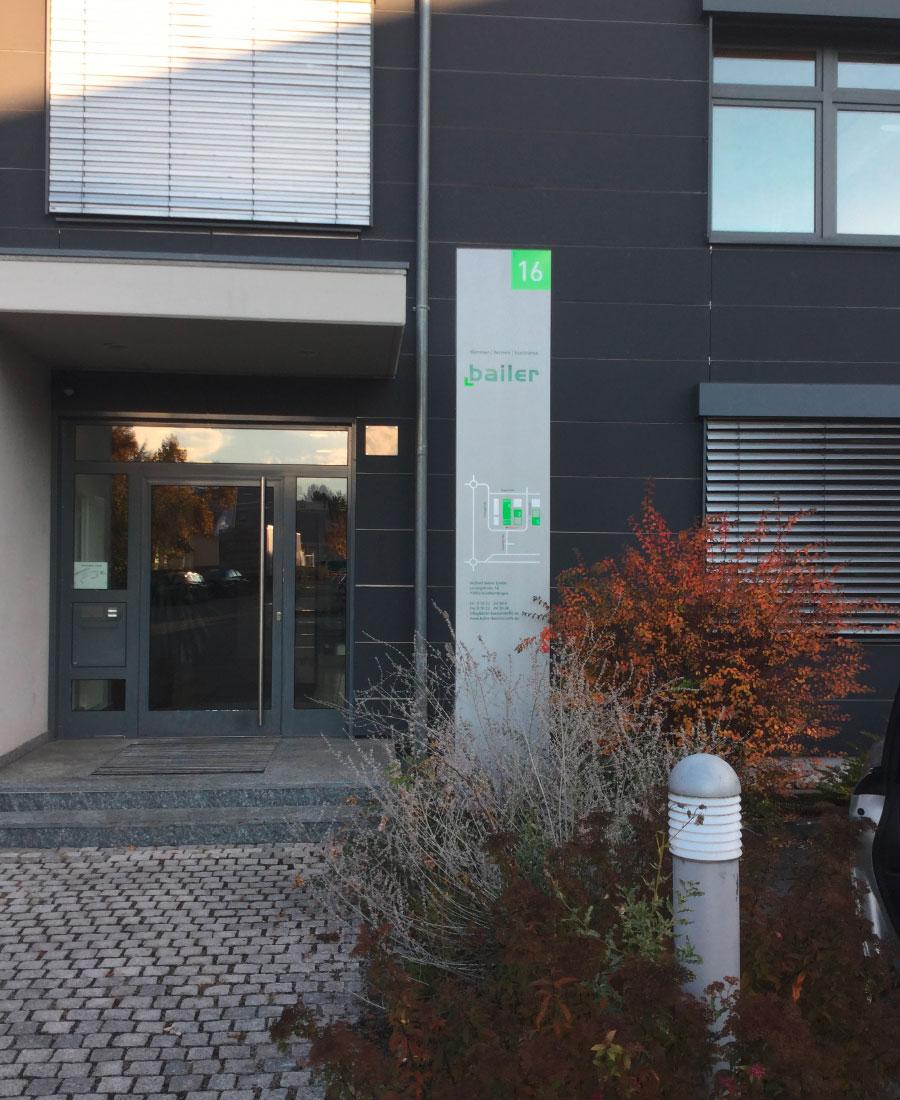 Leitsystem, Aussenbeschilderung, quintessence-design.de